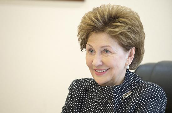 Карелова: сенаторы разработают формулу льгот для многодетных семей