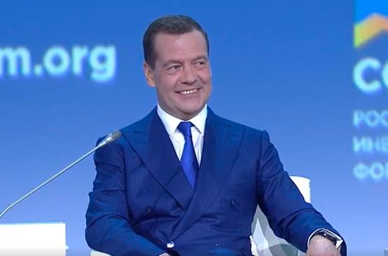 В отношениях РФ и США нет «красных линий», заявил Медведев