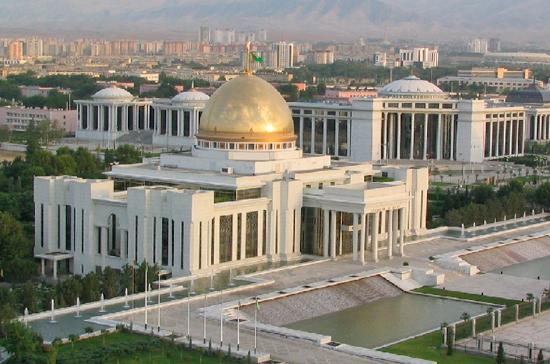 Туркменский президент распродает 25 бронированных «Мерседесов»