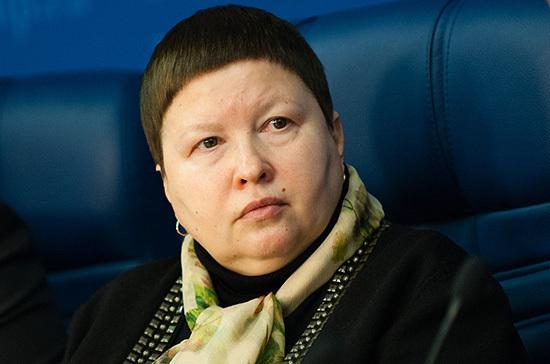 Сутормина предложила ввести миграционную амнистию для жителей Донбасса