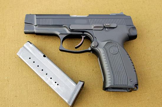 МВД будет отбирать лицензии на оружие по новым правилам