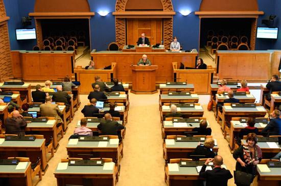Депутаты потребовали от премьера Эстонии объяснить «пророссийскую политику»