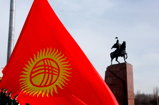 Почти половина киргизских гаишников не сдали экзамены по ПДД