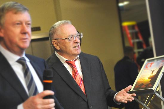 Жириновский предложил обязать губернаторов отчитываться о поддержке талантливых инженеров