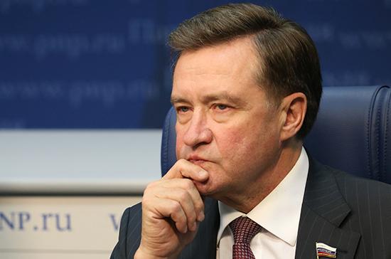 Рябухин призвал ведомства теснее взаимодействовать при борьбе с производством контрафактного алкоголя