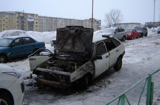 СК Мурманской области проверяет причины смерти мужчины в припаркованном автомобиле