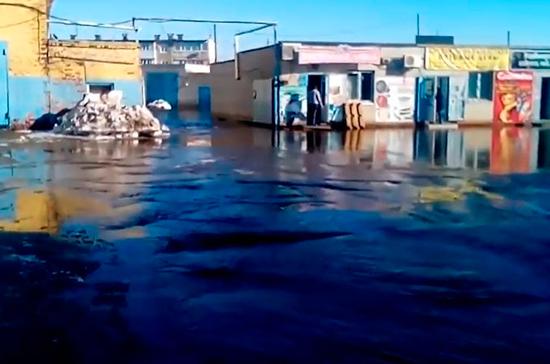В городе Энгельсе Саратовской области ввели режим ЧС из-за паводка