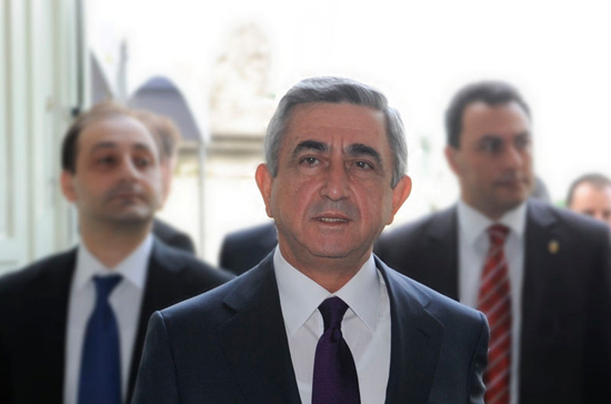 В Армении одобрили кандидатуру Саргсяна на пост премьер-министра