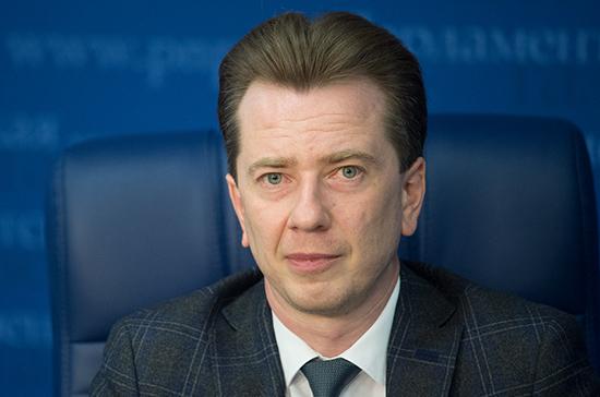 Бурматов поздравил россиян с Днём космонавтики