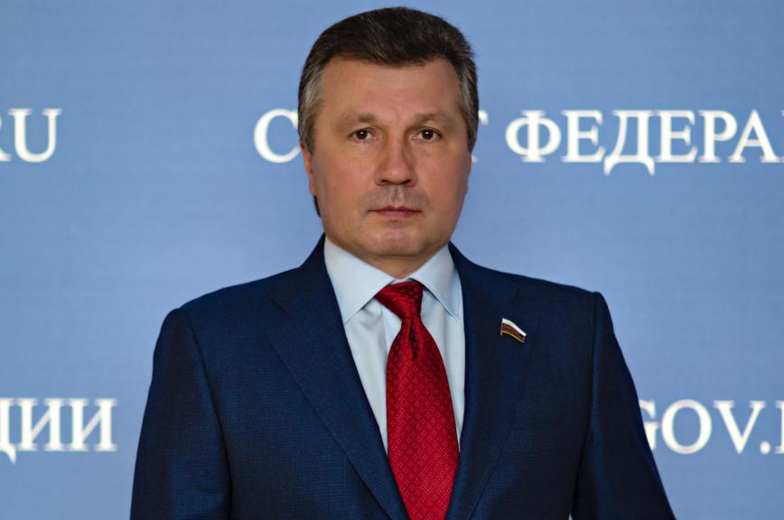 Васильев поздравил граждан России с Днём космонавтики