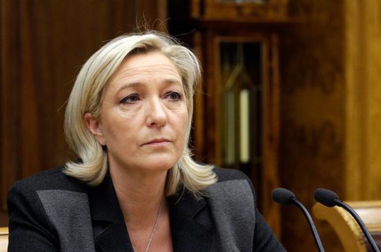 Марин Ле Пен осудила участие Франции в атаке на Сирию