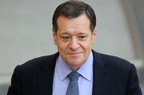 Медведев верит, что ограничение налоговой пени несомненно поможет бизнесу