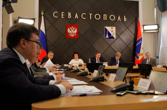 Глава Севастополя назначил двух исполняющих обязанности вице-губернаторов