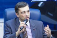 Госдума не будет запрещать ввоз иностранных лекарств, заявил Гутенев