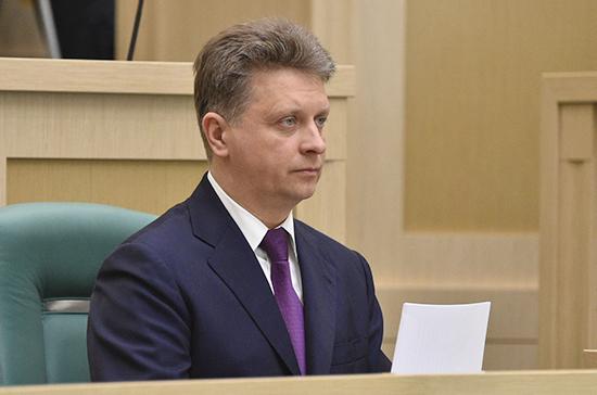 Минтранс России прорабатывает ответные меры на санкции США, заявил Соколов