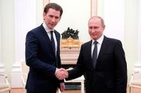 Путин обсудил с Курцем ситуацию в Сирии