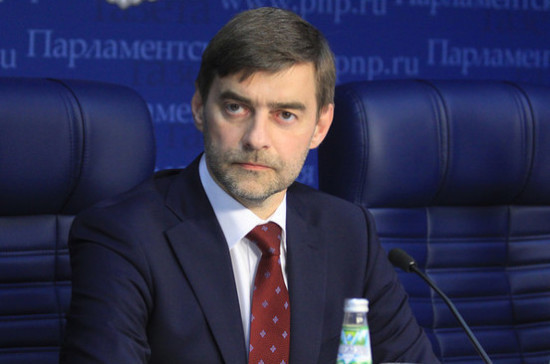 Железняк прокомментировал ситуацию с выдачей американских виз российским пилотам