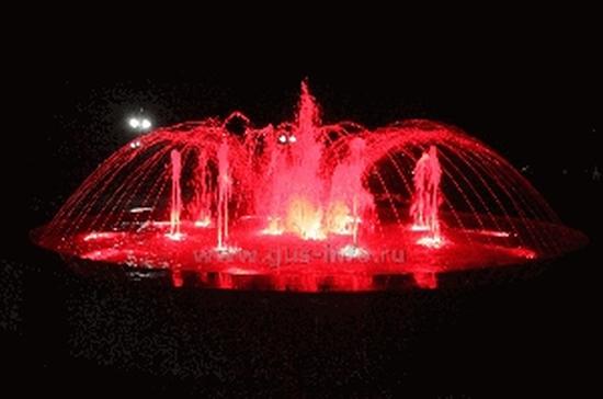 В Гусь-Хрустальном запустили новый цветовой фонтан