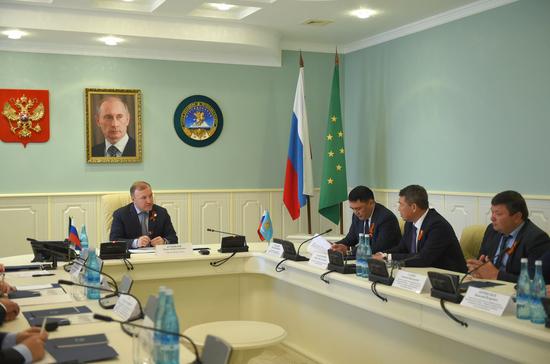 Руководство Адыгеи и Астраханской области заключили соглашение о сотрудничестве
