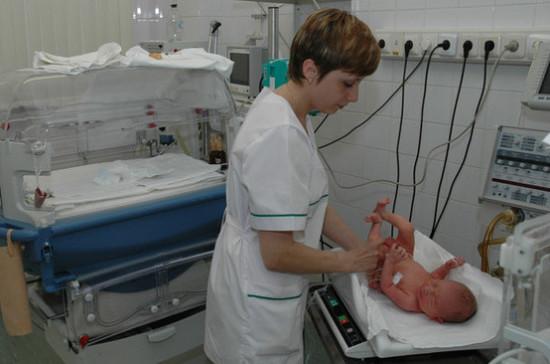 Сейм Литвы разрешил роды на дому