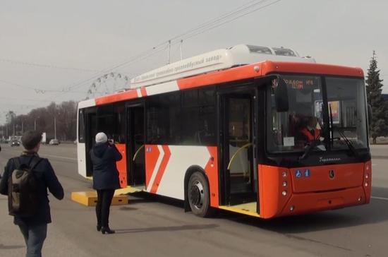В Уфе прошёл испытание новый низкопольный троллейбус с пандусом и автономным ходом