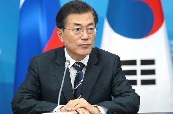 Мун Чжэ Ин призвал соединить железные дороги Южной Кореи и КНДР