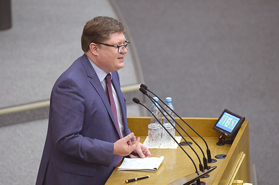В «Единой России» готовы обсуждать проект о приравнивании зарплат депутатов к средним по стране