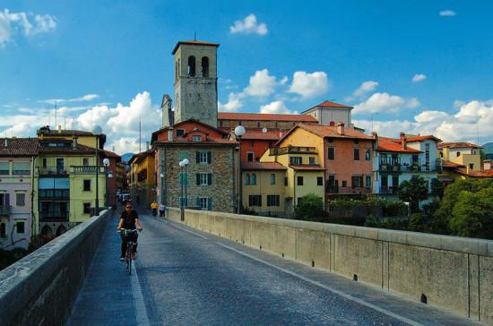 В Италии на выборах в области Фриули-Венеция-Джулия побеждают правоцентристы