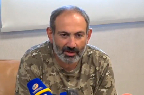 Пашинян призвал протестующих освободить дорогу к аэропорту Еревана