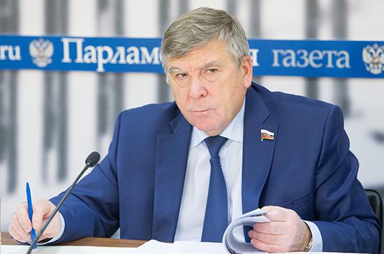 Рязанский предлагает отбирать лицензию у тех, кто завышает цены на жизненно важные медикаменты