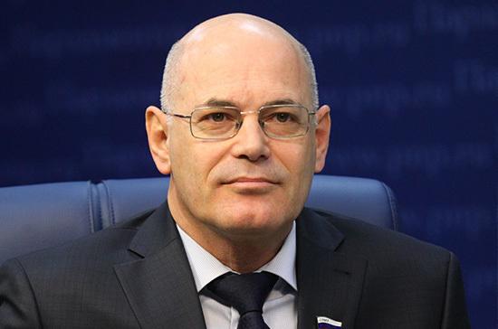 Круглый поддержал идею штрафовать за завышение цен на ЖВЛП
