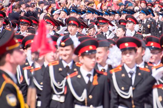 Почему не могут принять закон «О патриотическом воспитании молодёжи в России»?
