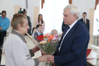 В Петербурге 13 ветеранов Великой Отечественной войны получили новые квартиры