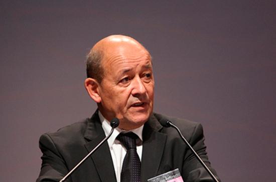 Изоляция России повредит ей самой и Западу, заявил глава МИД Франции