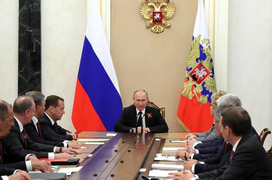 Путин обсудил с Совбезом РФ удары Израиля по Сирии