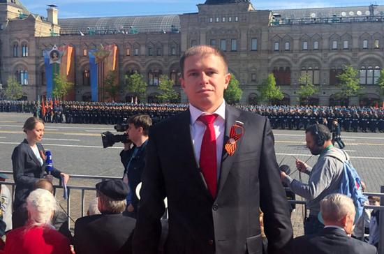 Романов поздравил россиян с Днём Победы