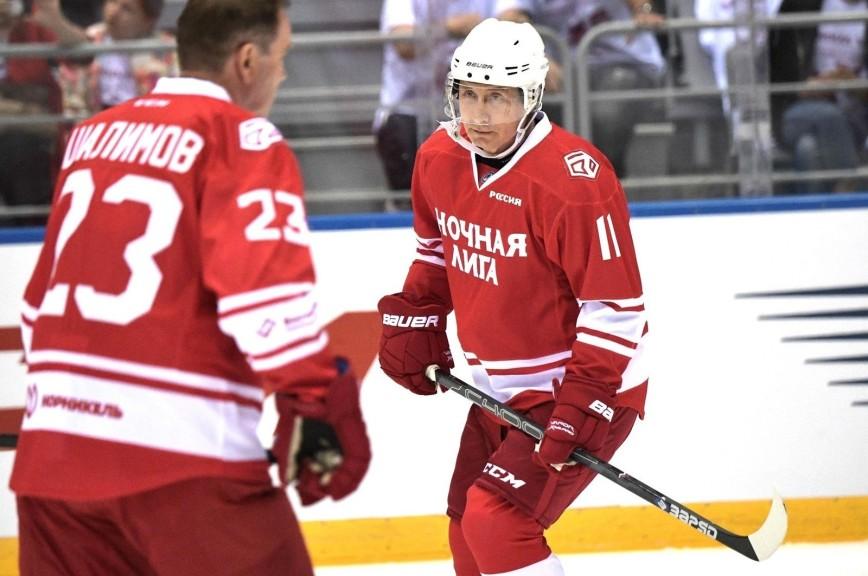 Путин забросил пять шайб в гала-матче Ночной хоккейной лиги