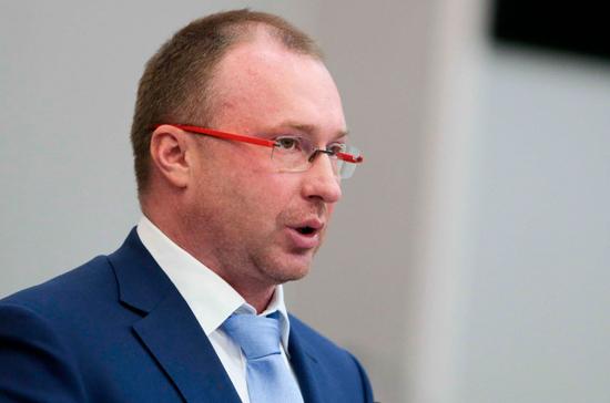 Лебедев: Госдума рассмотрит инициативу о наказании за исполнение санкций 15 мая
