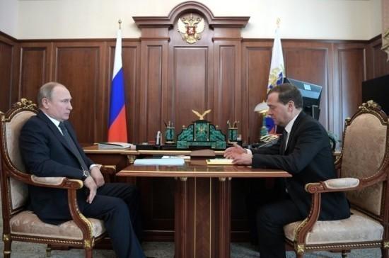 Путин проводит встречу с Медведевым, обсуждается структура нового Правительства
