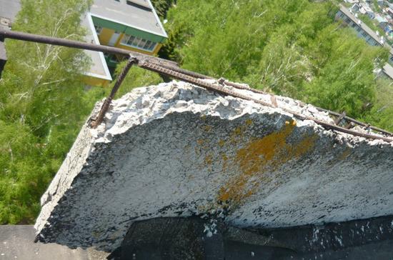 В Тамбове возбудили уголовное дело по травмированию школьницы упавшим куском бетона