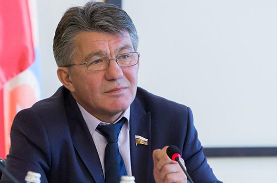 Сенатор Озеров награждён Орденом восходящего солнца