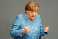 Меркель едет в Сочи налаживать диалог с Москвой