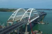 Поток транспорта по Крымскому мосту побил рекорд Керченской переправы
