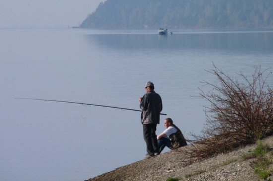 Рыбаков обяжут проходить проверки на КПП перед экономзонами