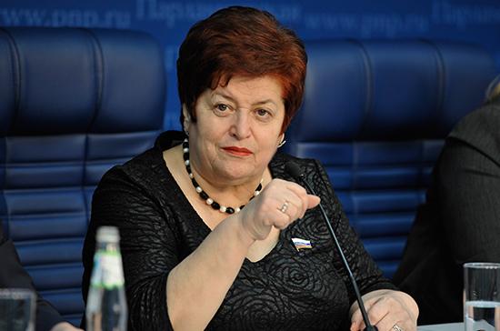 Козлова призвала решить проблему отказов от детей с синдромом Дауна