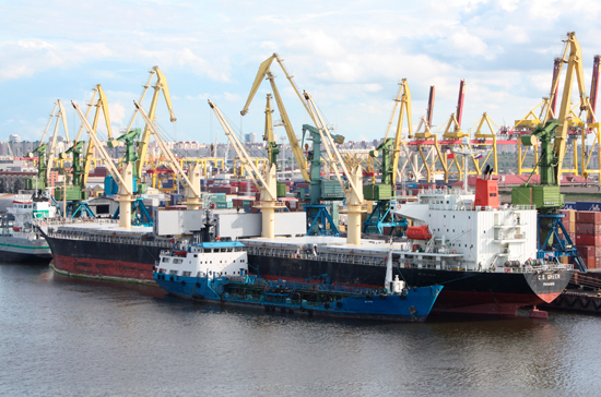 Цены на услуги в морских портах будут устанавливать в рублях