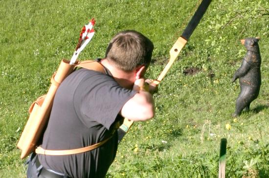 В России разрешат охоту с помощью метательного оружия