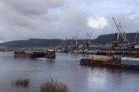 В Иркутской области моторная лодка с тремя пьяными пассажирами столкнулась с баржей