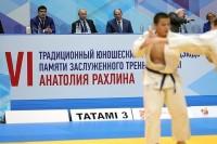 Путин поблагодарил тренеров за развитие массового спорта в России