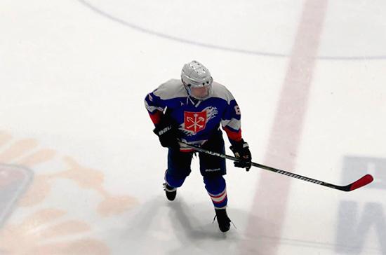 Сборная правительства Санкт-Петербурга обыграла в хоккей сборную ПМЭФ-2018